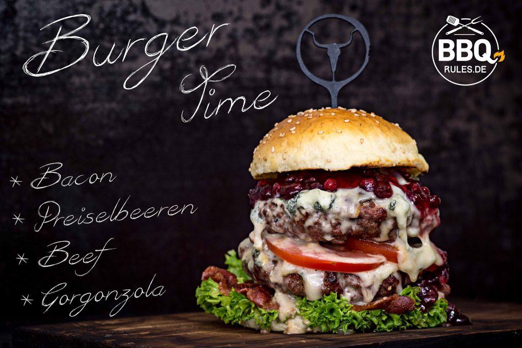 Beef-Bacon-Gorgonzola-Preiselbeeren-Burger