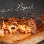 Bacon Bomb Rollbraten mit Bacon umwickelt